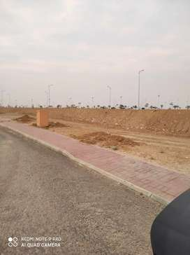 1000 Sq/ Yards plot available in Bahria hills