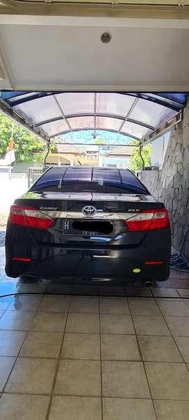 Toyota Camry 2.5 V Hitam