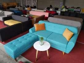 Ready stock! Sofa retro kaki kayu + puff cocok buat santai