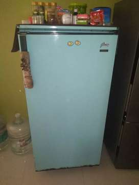 godrej 300L refrigerator