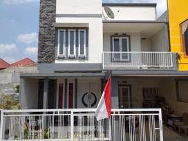 Dijual Cepat! Rumah Minimalis Singosari 2 Lantai ( LB 260/LT 130)