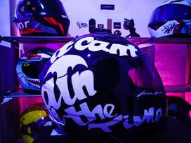 Helm Yamaha repaint motif arai