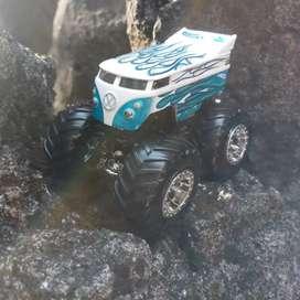 Hot Wheels Drag Bus Monster Trucks loose