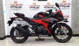 Mesin sehat ! Honda New CBR 150 R FI Th.2019 merah hitam like new