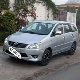 Toyota Innova G 2014 next to showroom condition