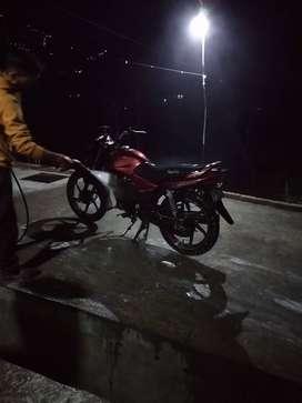 Shine 125 cc 2014 model no single hand drive. No demage