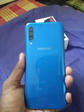 Galaxy A50/4gb-64gb/ blue colour varient/ hardly 15 days of usage