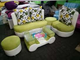 Sofa Apple Green 2 1 puff + meja