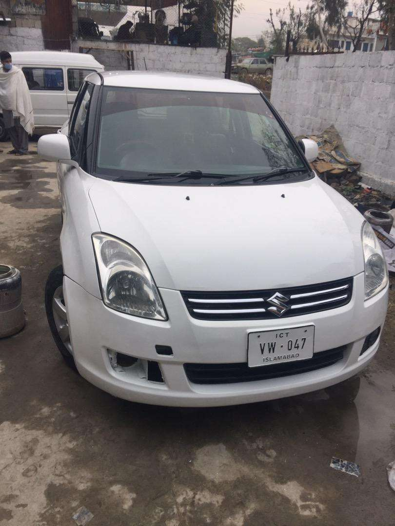 Suzuki swift dlx 0