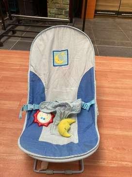 Tempat duduk bayi (berjemur)