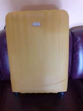 Koper luxos travelling/mudik warna kuning hanya Rp100.000