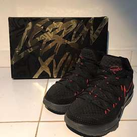 "Lebron 17 low ""bred"""