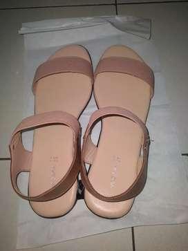 Sepatu sandal merk Virginia new size 40