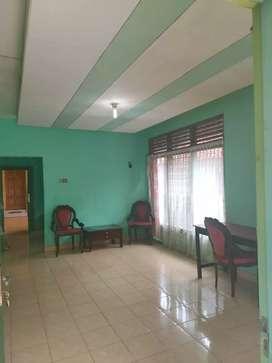 Di sewakan Rumah Luas di kota Jogja dekat Malioboro ada 3 kamar