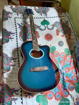 Heartz 1yr old semi-acoustic guitar for urgent sell