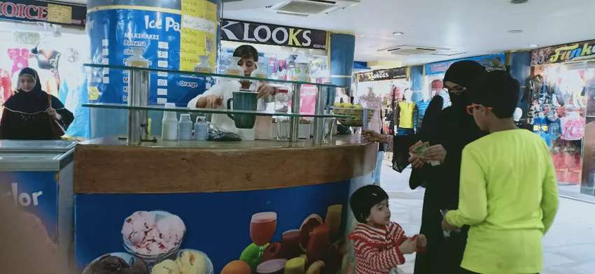 Brilliant Ice-cream and Shake Counter in Food court of Shopping Mall 0