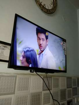 Os LED SONY 30 inch screen full HD good condition