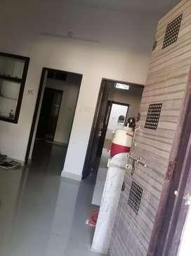पवन विहार बी आर बिरला स्कूल के सामने मकान सेल करना है