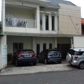 Rumah Kos Kosan Dijual Cepat 2 Lantai Lokasi di Benhil Jakarta Pusat