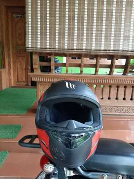 Mt helmet 1 year used urgent sale