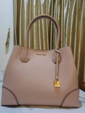 Michael Kors Bag preloved, 100% good quality