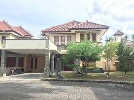 Rumah Full Furnished di Perum Jogja Regency LT= 472 m2 di Jl. Solo