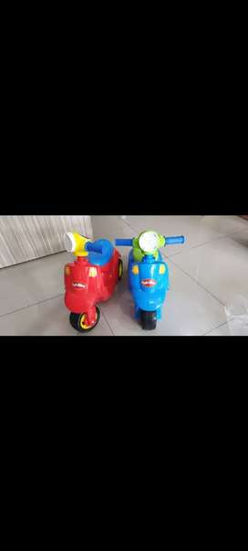 Mainan motor Vespa baru