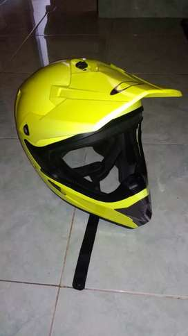 Helm Cross Cargloss