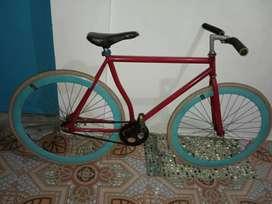Sepeda pixie bekas