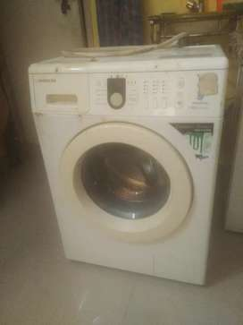 Samsung fully automatic front load washing machine.
