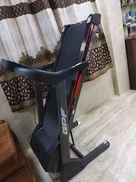 Home use treadmill Capacity 120 kg urgent sale