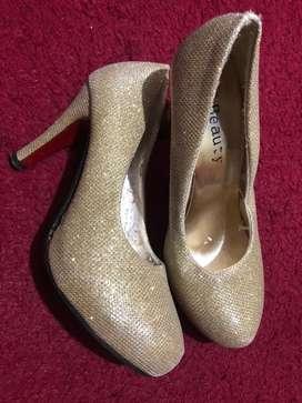 heels kondngan gold