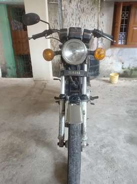 Yamha rx 100 vry gud condition with fancy no