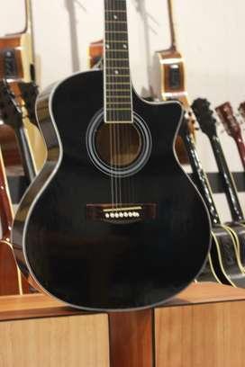 Gitar Akustik Black gloss Tanam Besi