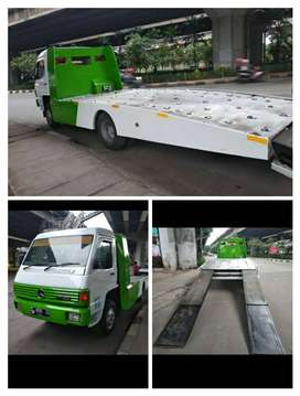 Truk Towing Mercy MB800 Car Carrier