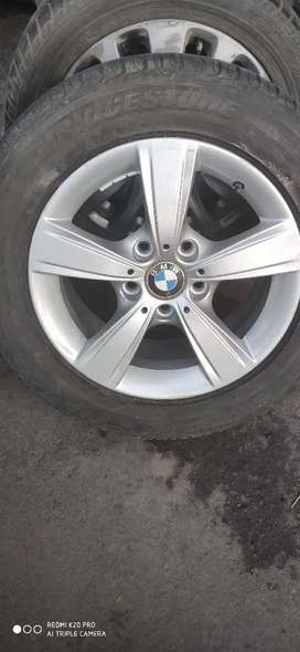 One Alloy wheel Of BMW 118d With tyre 16