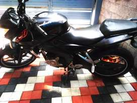PULSAR NS200. GOOD AND SHOWROOM CONDITION.