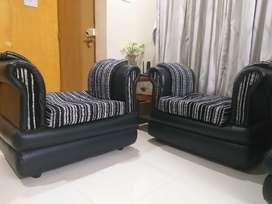 3+2+1+1= 7 seater sofa