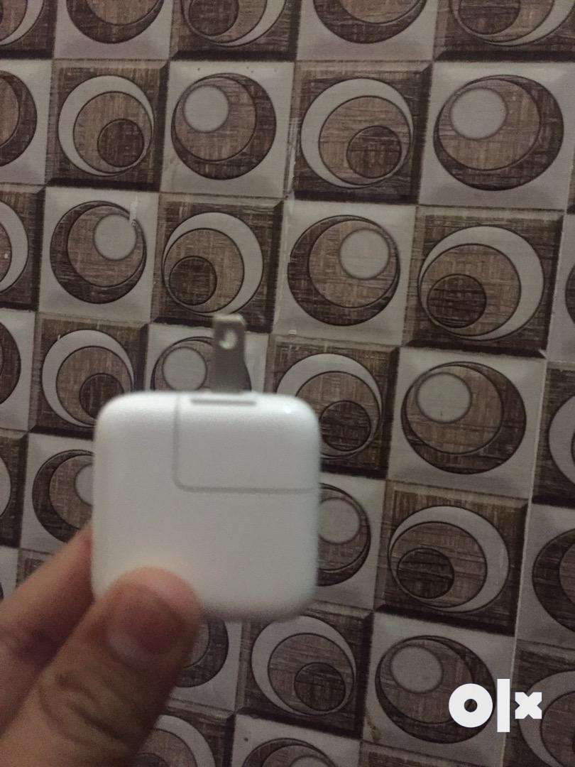Apple orignal adapter in new condition 0
