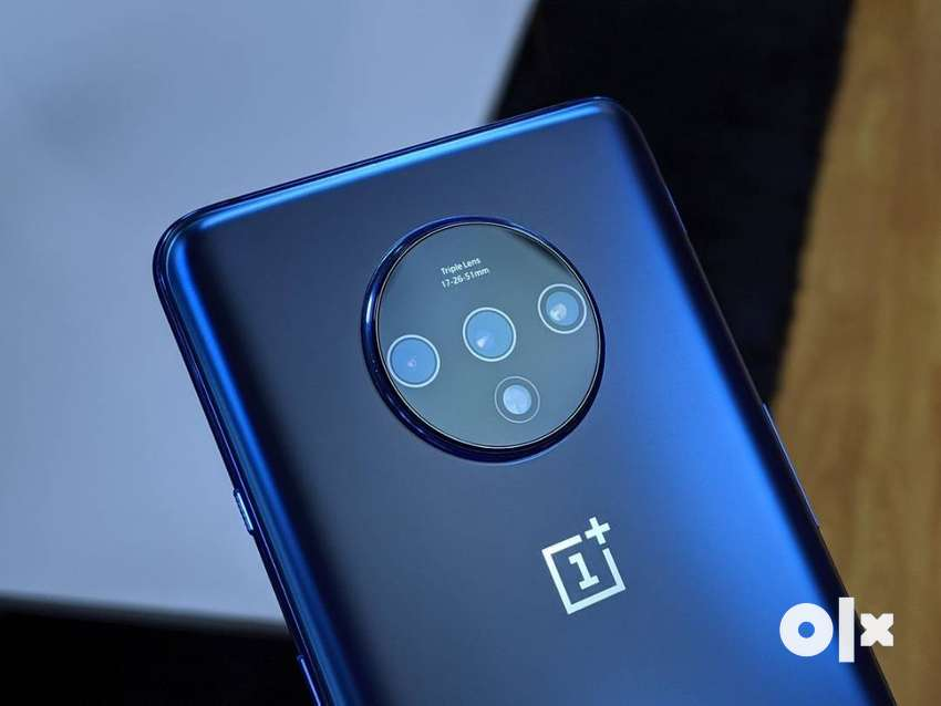 One plus 7t pro model now comes with seller warranty bill box and all 0