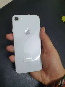 Iphone 8 64gb Silver colour mint condition
