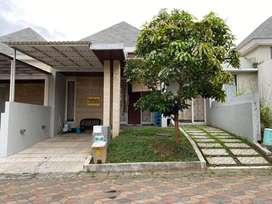 Rumah lokasi strategis di Ijen Nirwana