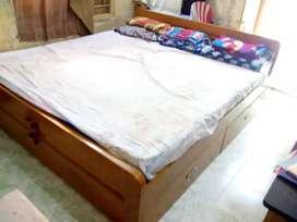 Hand made Teak wood kiing size bed