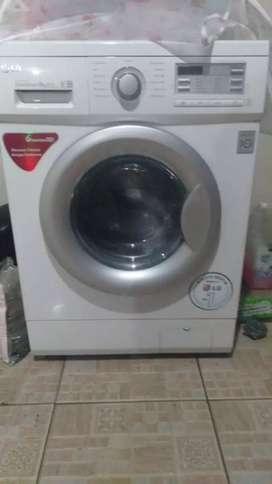 Mesin Cuci LG Tabung Depan