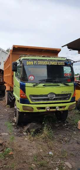 Dump Truck Hino louhan FM 260JD tronton th'2010