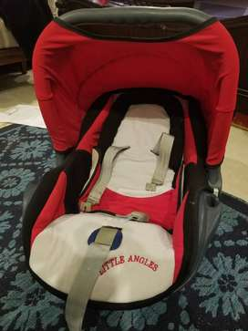 Little Angels car seat / carry cot
