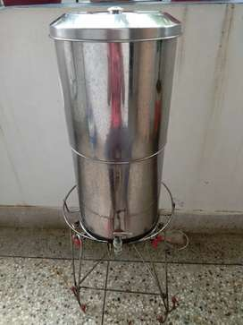 Water filter with stand