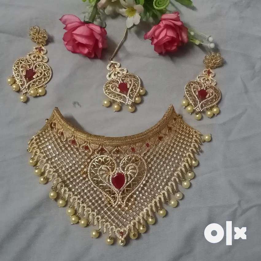 Surya jewelry set for rent