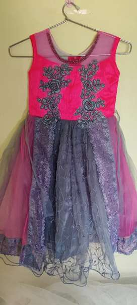 New unused Barbie long  frock for 3 to 5 yrs kids long gown.size 24