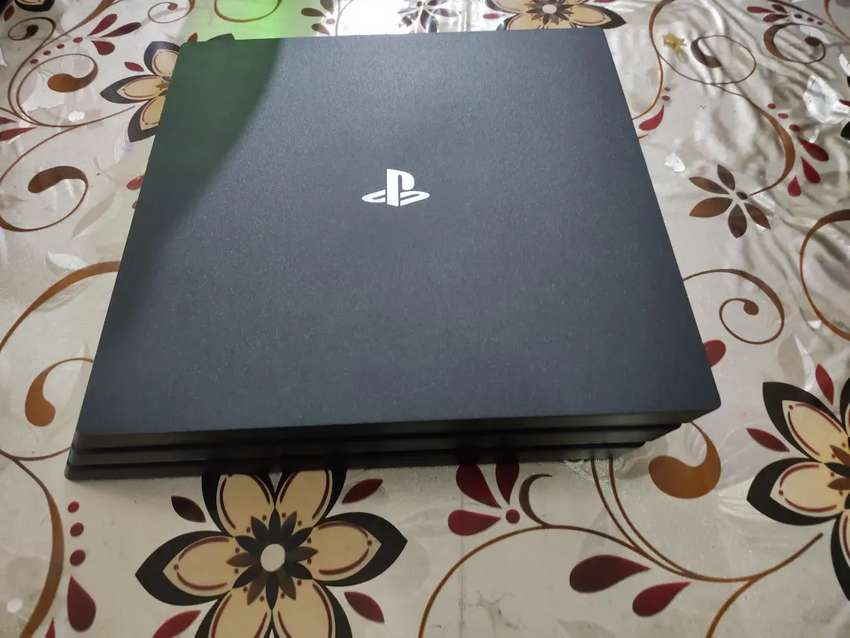 PS4 Pro CUH-7200 2TB Edition with Original Gen 2 Controller